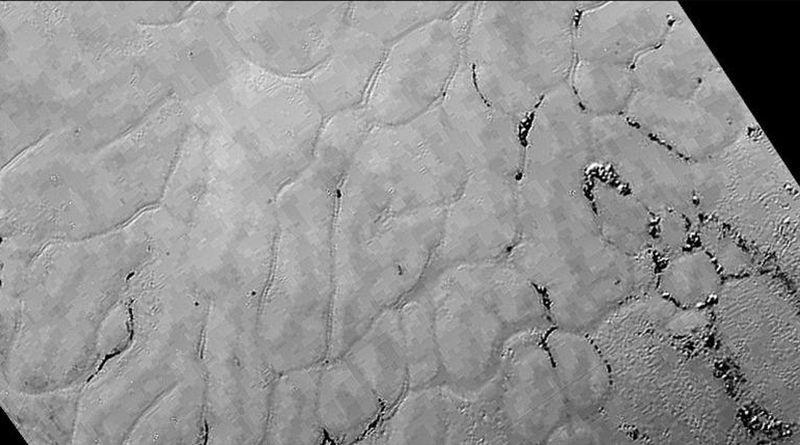 冥王星上發現大片冰原
