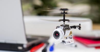 掌上航拍機 Nano Falcon DigiCam 隨時變身相機