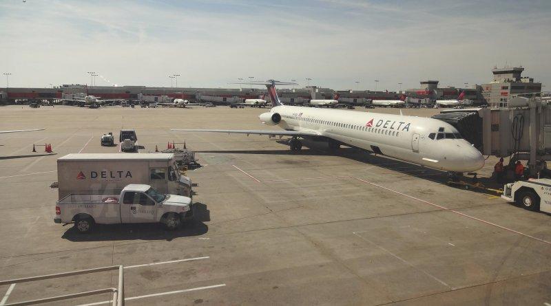 無人機不得飛進美國機場 8 公里內