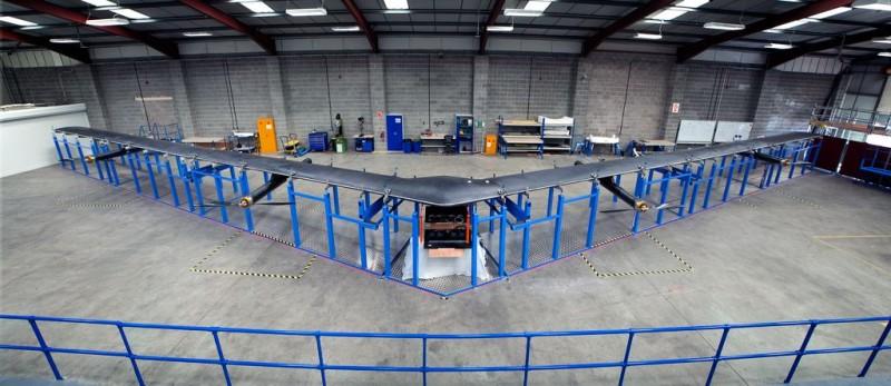 Facebook 的太陽能無人機 Aquila。