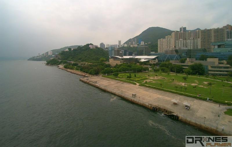 數碼港海濱長廊可說港島區最熱門的航拍地點。