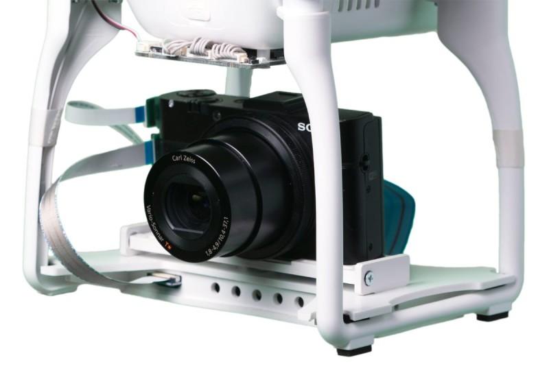 Sony RX100 系列可以掛載於 DJI Phantom 飛行器之上。