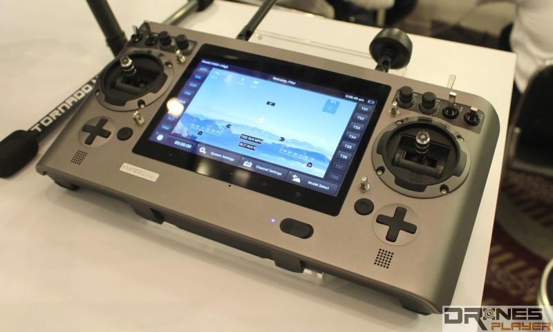 Yuneec Tornado H920 可配搭 ST24 遙控器作飛行操作