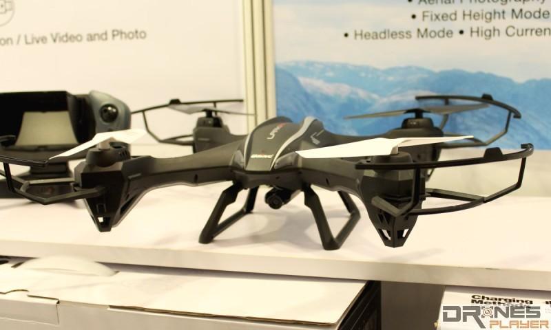 UDIRC U842-1 的內置攝影機可攝錄 720p 高清影片