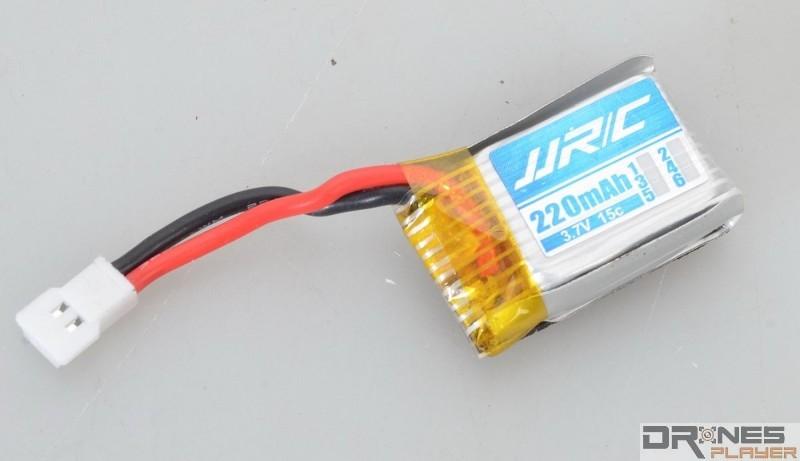 JJRC H22 附送 3.7V / 220mAh 可換式電池。