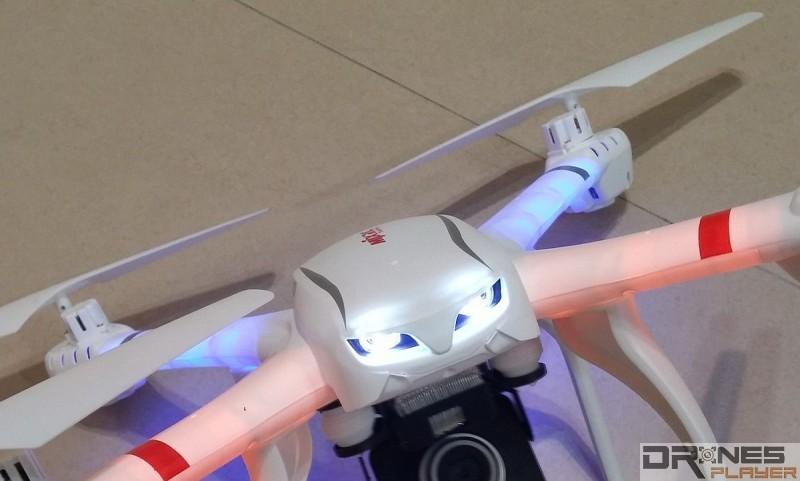 MJX X101機底及機前均設有 LED 燈。