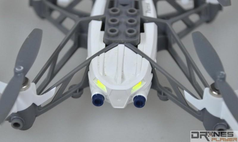 Parrot Minidrones Airborne Cargo 機頭設有 LED 燈號。