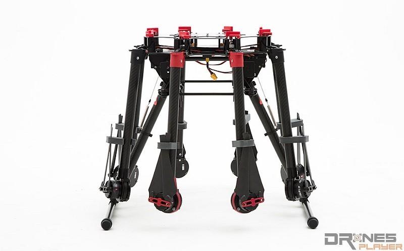 雖說八軸飛行平台的支架可收起,但攜帶仍不方便,除非駕車代步才可作考慮。