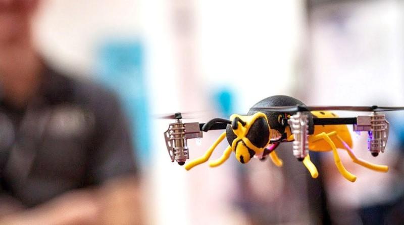 Micro Drone 3.0 裝上大黃蜂機殼的模樣