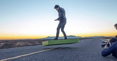多軸機變飛行滑板! ArcaBoard 令《回到未來》科技成真?!