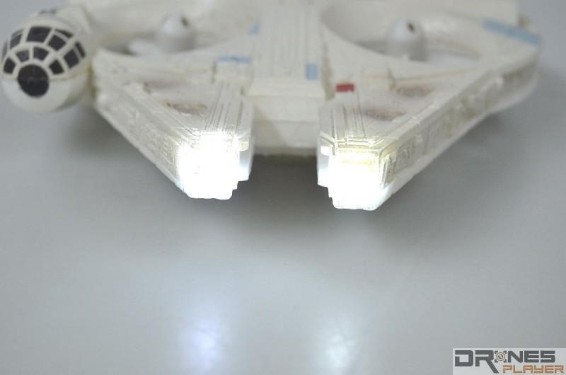 星戰千歲鷹號機前設兩顆白光 LED 燈號。