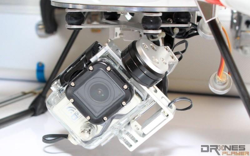 SwellPro Splash Drone 的雙軸穩定雲台可掛載 GoPro 運動攝影機。