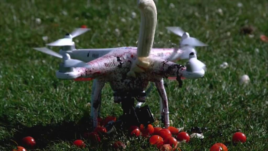 無人機攪爛胡蘿蔔、香蕉、青瓜