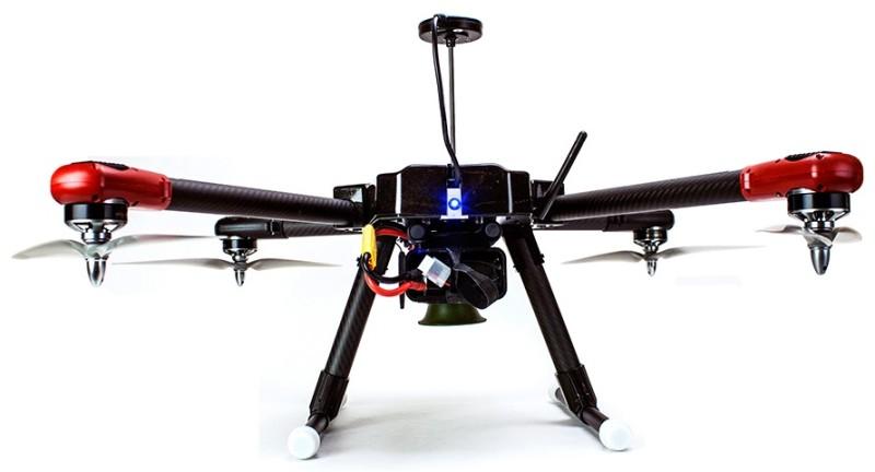 Bird-X ProHawk UAV 四軸無人機的機底設有一個小型喇叭,正是聲波驅鳥器所在。