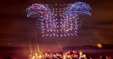 100 部無人機同步合演光影飛舞 Intel 刷新健力士紀錄