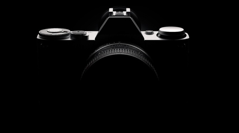 Canon 移動式感光元件兼顧單反和無反系統