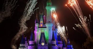 迪士尼擬用 50 部無人機作光影塗鴉 取代煙火表演