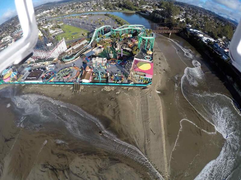 加州海岸線面對侵蝕危機。