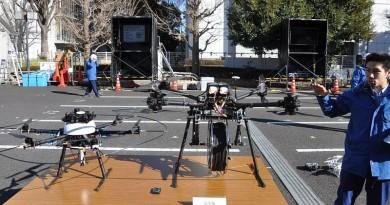 負重 20 公斤都飛得起!日本送貨無人機搬運電纜最強