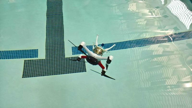 loon copter試驗機只能潛入數米深的水底。