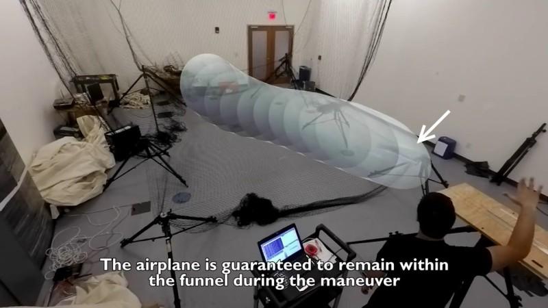 MIT 迴避障礙定翼機方案