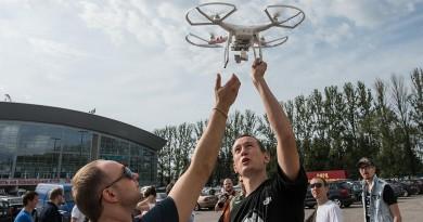 俄羅斯無人機新例:放飛入門空拍機都要兩個人