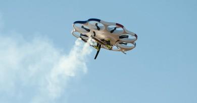 DAx8 無人機飛雲內撒種 增加降雨拯救乾旱地區