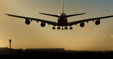 史上最驚險距離!英國客機險撞無人機 最近僅 6 米