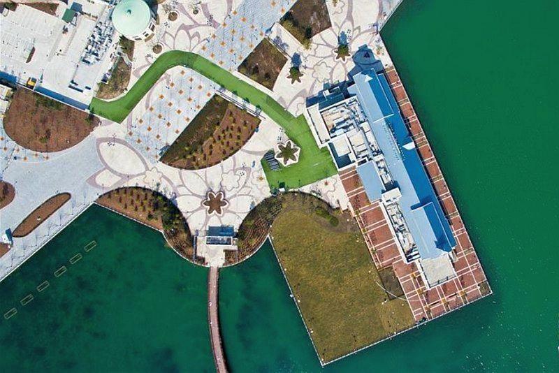 上海迪士尼樂園碼頭的空拍圖