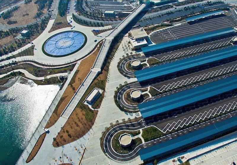 上海迪士尼樂園巴士站的空拍圖