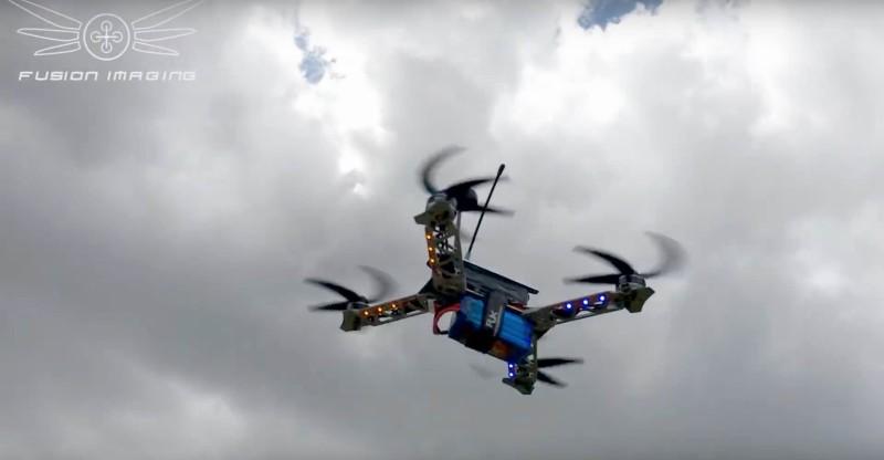無人機用上特製旋翼,令飛行速度更快。