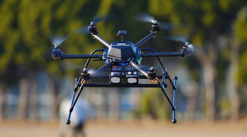 樂天送貨無人機 Mini Surveyor 變身高爾夫球僮