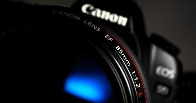 Canon 或仿傚 Panasonic 研發鏡頭加機身雙重防震系統