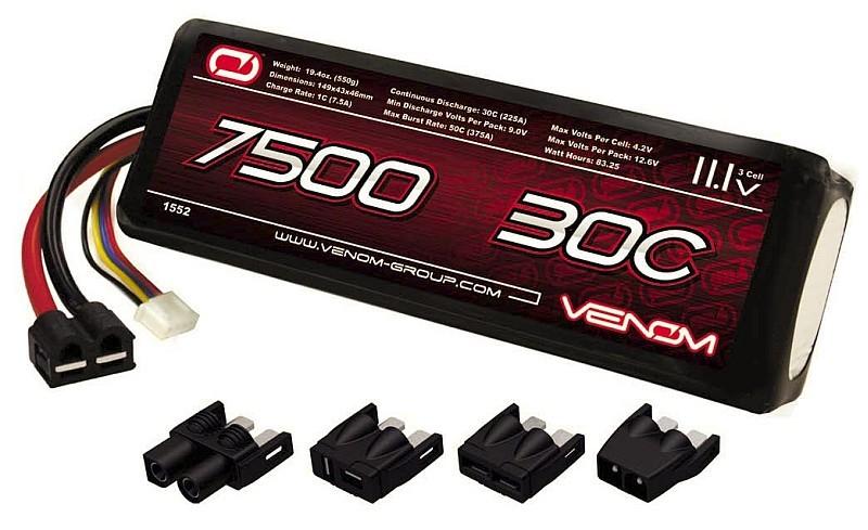 通常每個電池包為 3.8V,3 Cells 電池則為 3.8V x 3 = 11.4V,這是大部分中階航拍機所採用的電池規格。