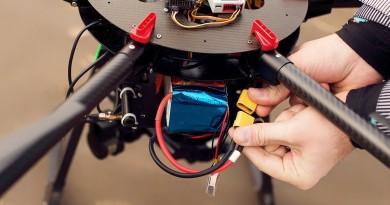 13 個讓你延長航拍機電池壽命的充電與保養秘訣