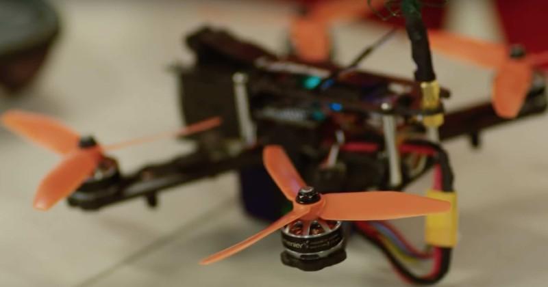 無人機旋翼細小,卻能與電動賽車同場較量。