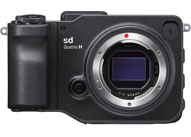 Sigma sd Quattro H 則是 APS-H 片幅機型,有效拍攝像素為 2,550 萬。