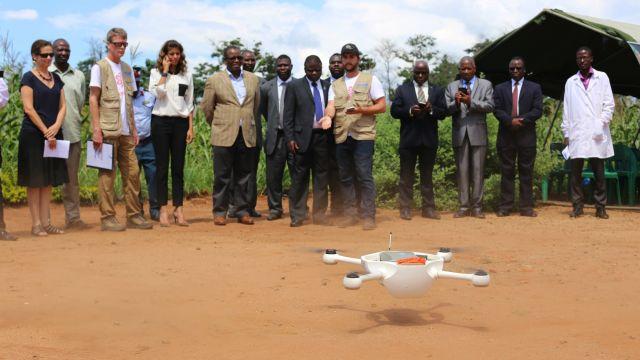 無人機在馬拉威試行運送血液作檢驗。
