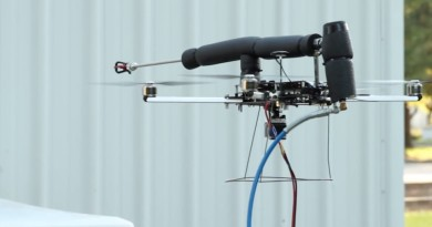 Worker Bee 無人機是裝修神器?但高空噴漆效果成疑