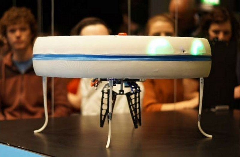 Blue Jay 的製作成本高達 2,000 歐元(約 1.7 萬港元/72 萬台幣),不知要運送多少杯咖啡才可回本。