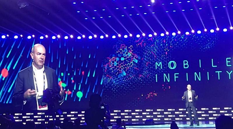 Chris Anderson 以「無人機的未來」為題在全球移動互聯網大會上進行演說。