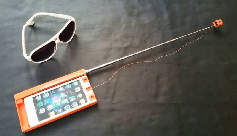 Drone-in-a-Phone 自拍棍