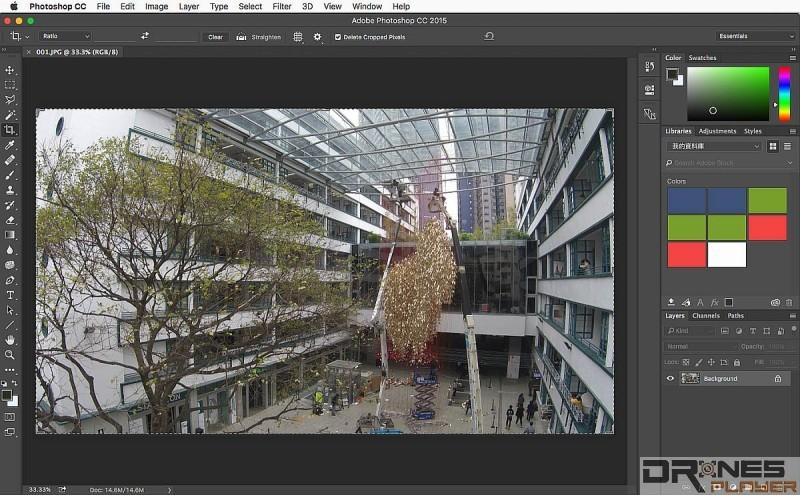 Step 01. 大家留意圖中建築物左右兩邊的外牆有彎曲變形現象;今次以《Adobe Photoshop CC 2015》 作示範軟件,演示如何修正航拍影像的變形問題。