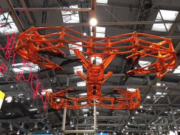 DUSTER 在德國漢諾威科技展上首次亮相。