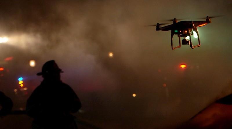 Phantom 無人機還可輔助滅火救人