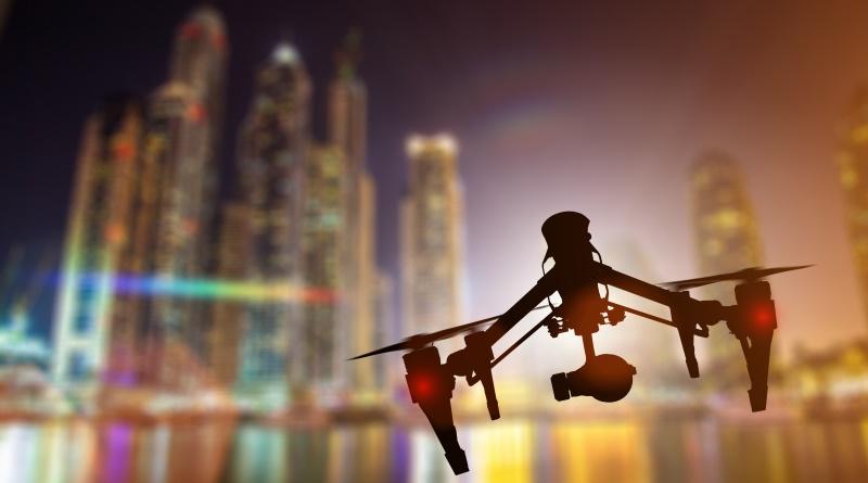 FAA 首次批准商用無人機夜間飛行