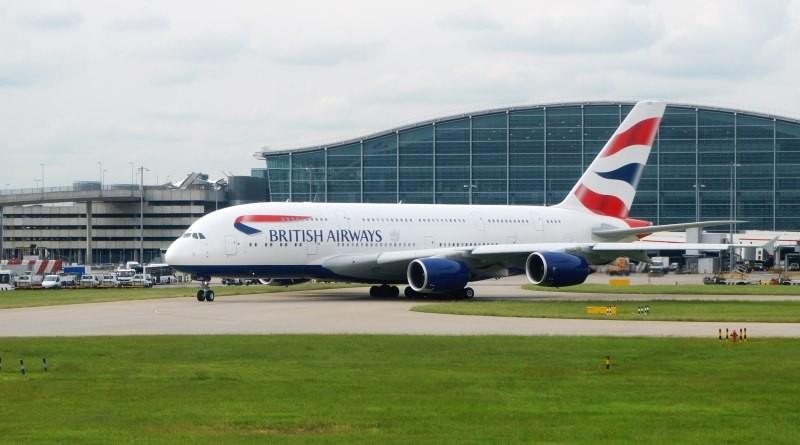 英國倫敦希斯路機場無人機與客機相撞