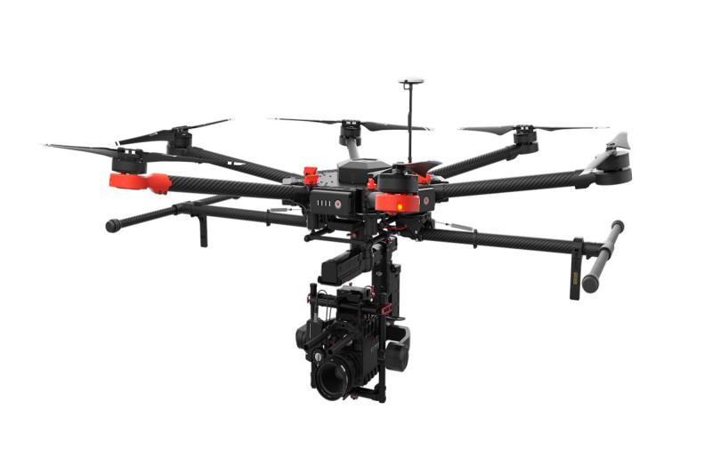DJI Matrice 600 可搭載專業級攝影機,以供電影拍攝之用。