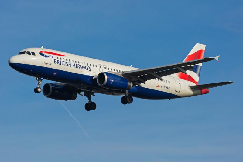 英國希思路機場屢發生險撞無人機事故。