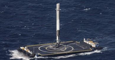 SpaceX 海上成功回收火箭・充氣式太空艙跟隨升空
